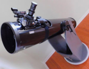 Orion 8945 SkyQuest XT8 Classic Dobsonian Telescope