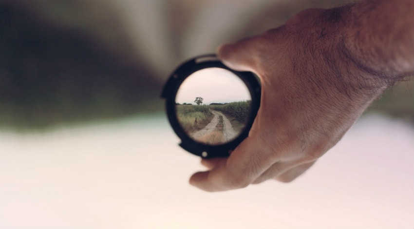 Binocular in hand